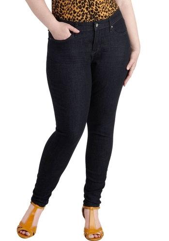 Tamni isprani džins