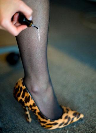 Da bi se sprečilo dalje cepanje svilenih čarapa