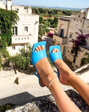 sandale sa cetvrtastim vrhom